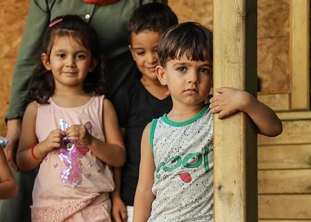 Kurdish Children Study Underground in Turkey